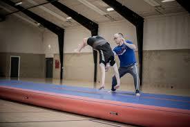 TST - Spring gymnastik øvede